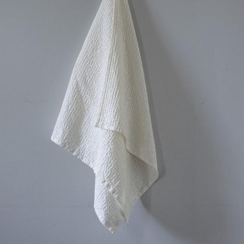 SMALL TOWEL LINEN/COTTON WHITE  by Tikau Merikatu