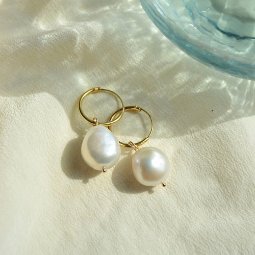 PEARL EARRINGS LARGE by AIDA impact (golden ring with one big pearl)
