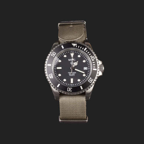 MWC SUBMARINER STAINLESS STEEL 300M WATER RESISTANT DIVERS WATCH