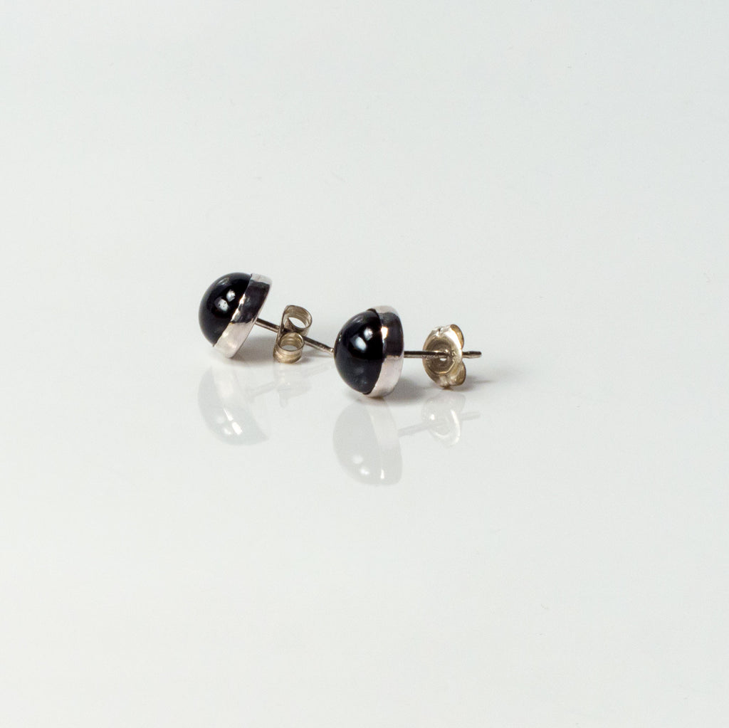 6mm Black Pearl Stud Earrings With A Silver Edge