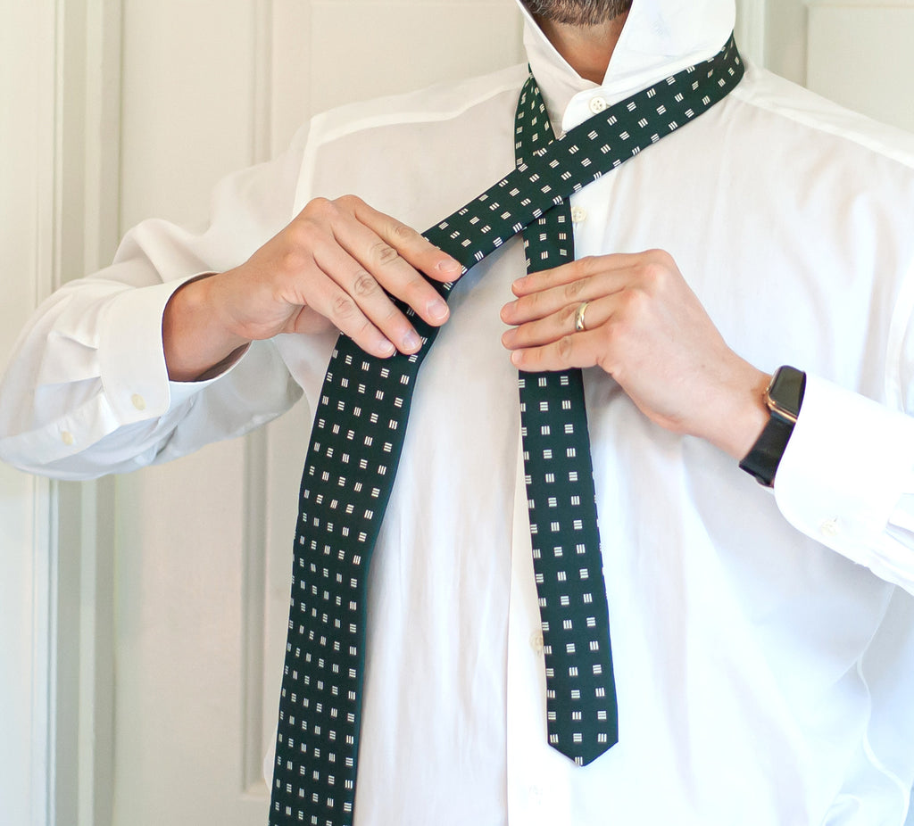 How to Tie a Windsor Knot - Step 2