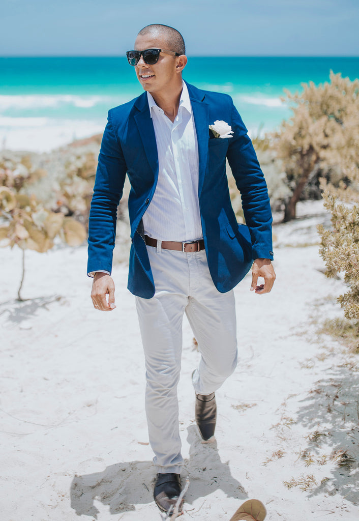 Navy blue blazer outfit example
