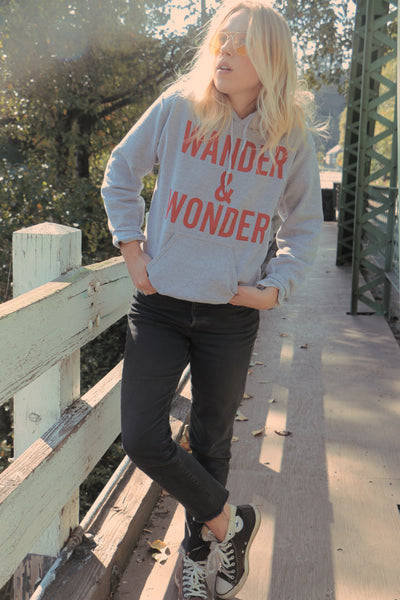 WANDER & WONDER SWEATSHIRT