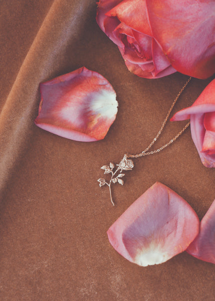 Jewelry - Rose Necklace - REDWOLF