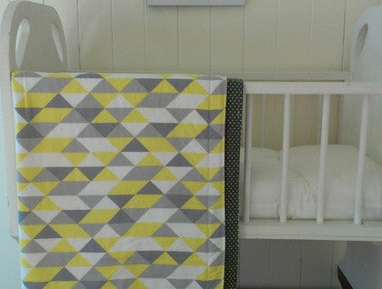 Organic Baby Cot Blanket - Triangles