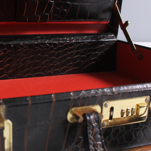 Hildegarde Suitcase