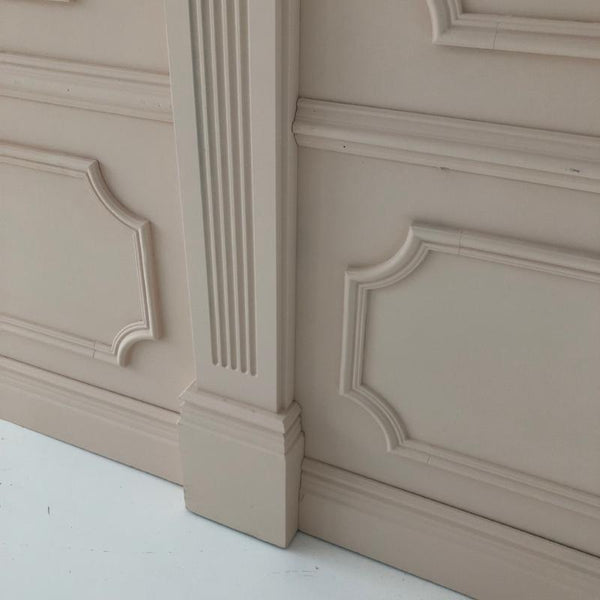 Molded Wall with Columns