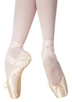 Nikolay Triumph Pointe Shoe - Medium Shank
