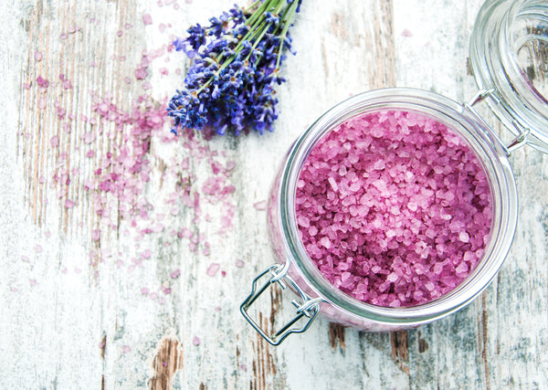 DIY bath salts in a mason jar make a great valentine's gift for your galentines