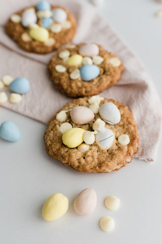 Mini Egg and White Chocolate Chip Cookies by Jars by Jodi