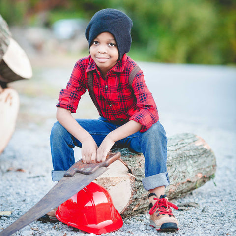 Boy wearing DIY lumberjack Halloween costumes source: Unsplash