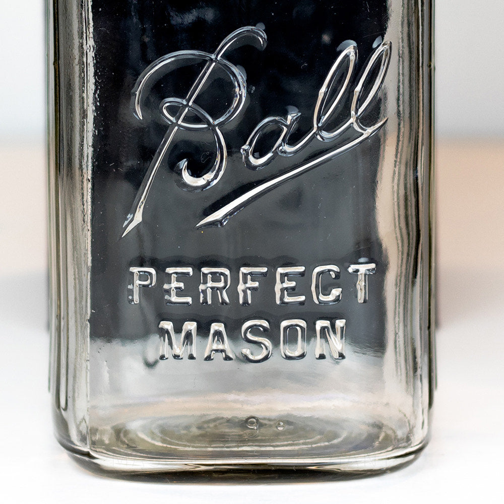 "Ball Vintage (1933-1960) ""Perfect Mason"" Very Square Regular Mouth Quart (9 Ribs)"