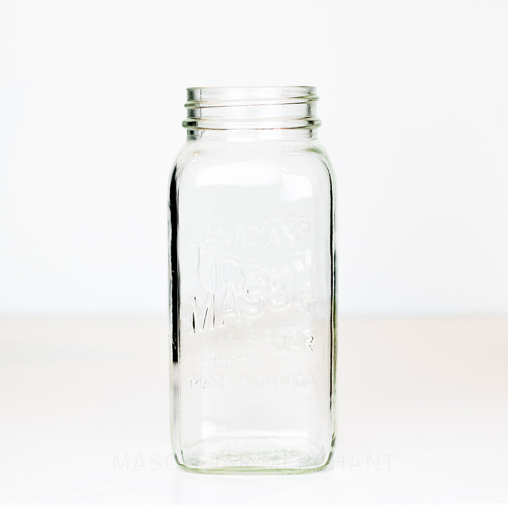 Regular mouth quart mason jar with Canadian Mason logo, against a white background