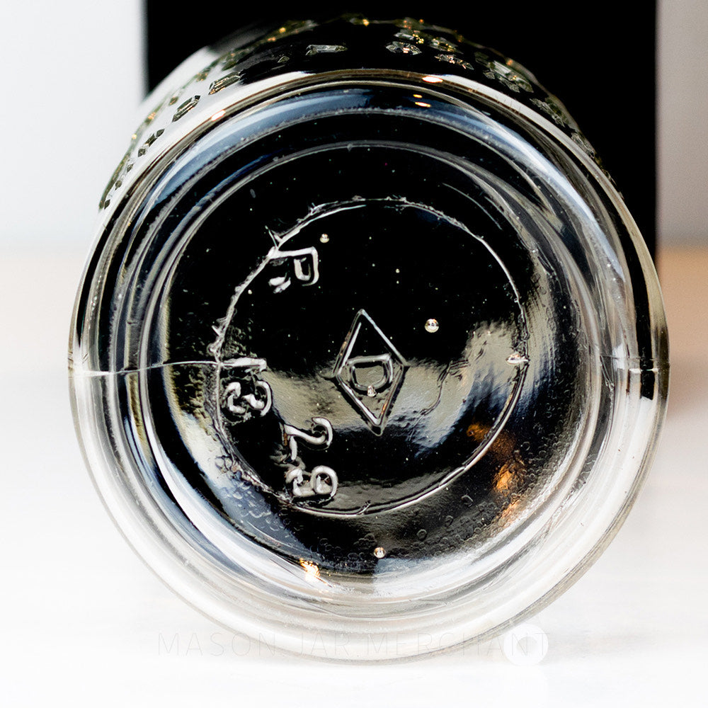 Bottom inscription on a gem mouth mason jar