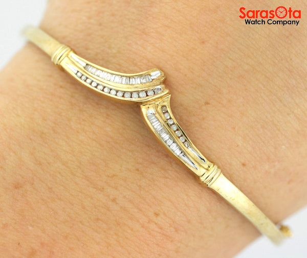 10K Yellow Gold Chevron Design Approx 1.5 Ct Diamond's Ladies Bangle Bracelet