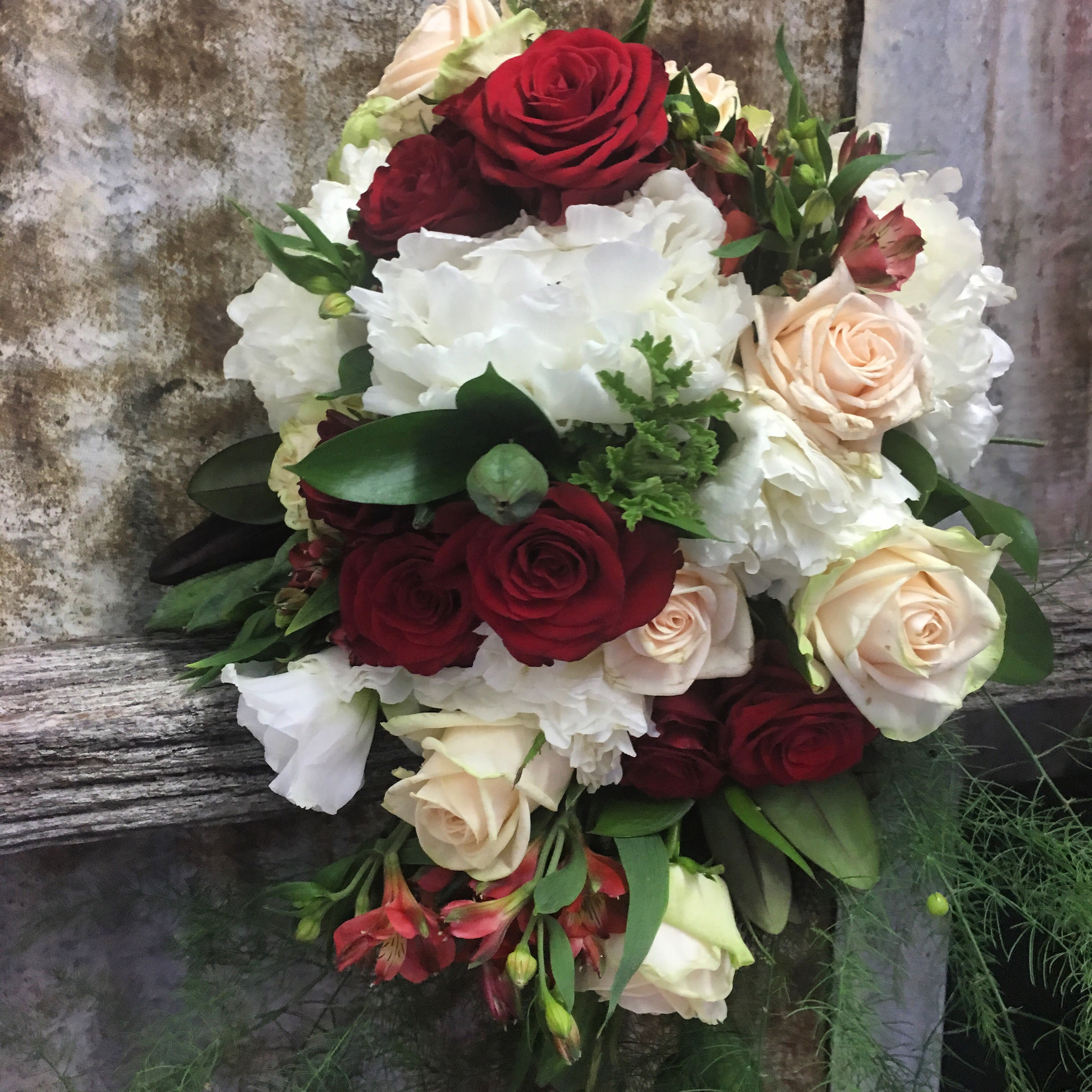 Wedding package red white and cream dream