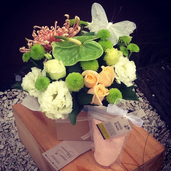 Peachy dream flower box with comb foam ...