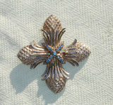 Beautiful Blue Rhinestone Pineapple Design Vintage Brooch