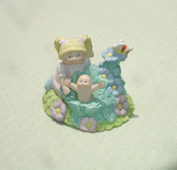 Vintage Fun In The Garden Cabbage Patch Kids Porcelain Collectible Music Box 1984