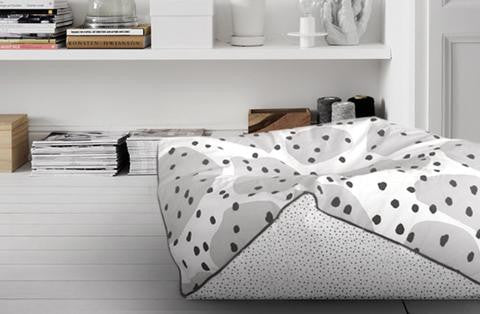 MONOCHROME FLOOR CUSHION