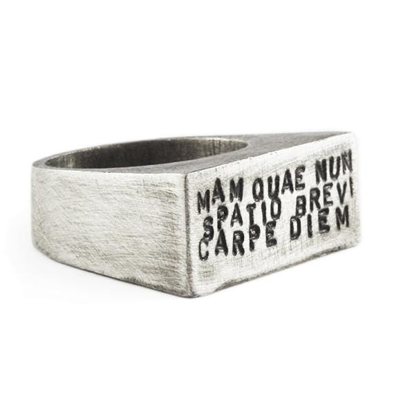 carpe diem ring