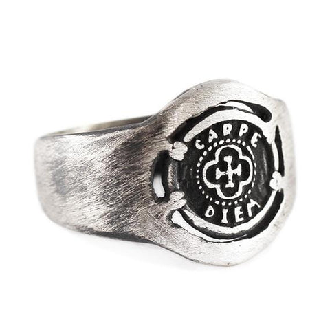 man signet ring