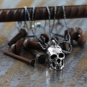 silver skull necklace man
