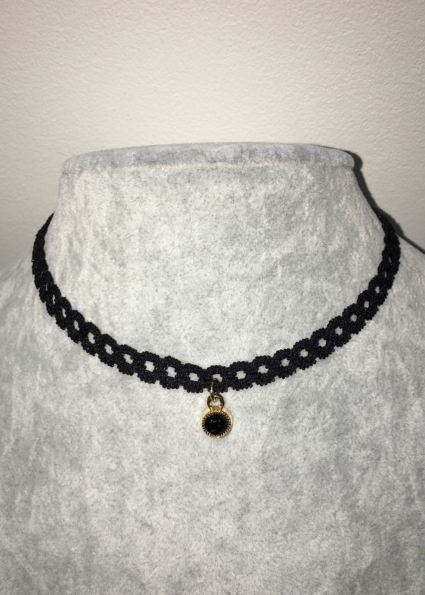 Lace Choker - Tiny Black pendant