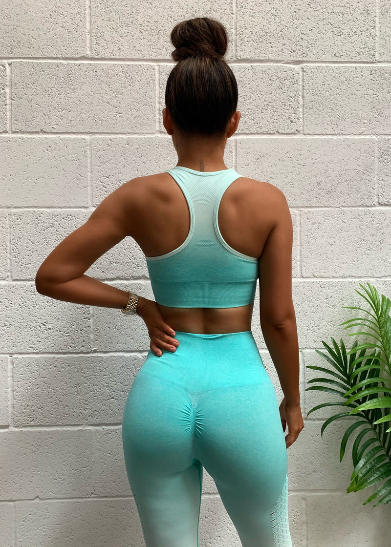 Run The World Seamless Ombre Active Two Piece - Turquoise