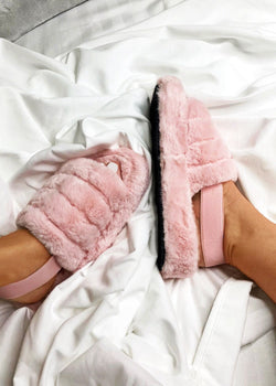 Luxe Good To Me Fluffy Slippers - Pink
