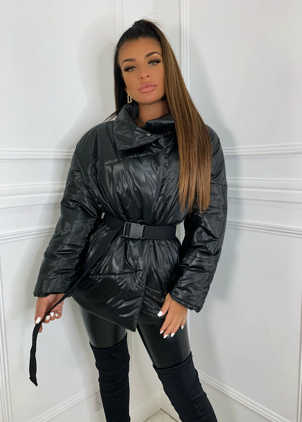 Feeling Powerful Puffer Jacket - Black