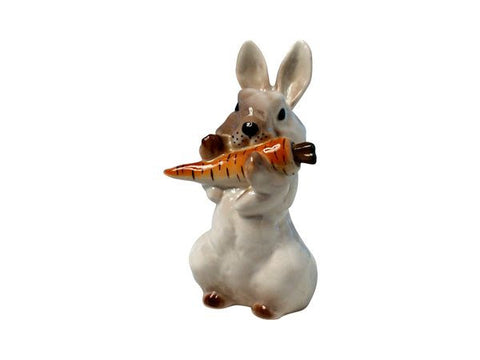 Hare with carrot 2