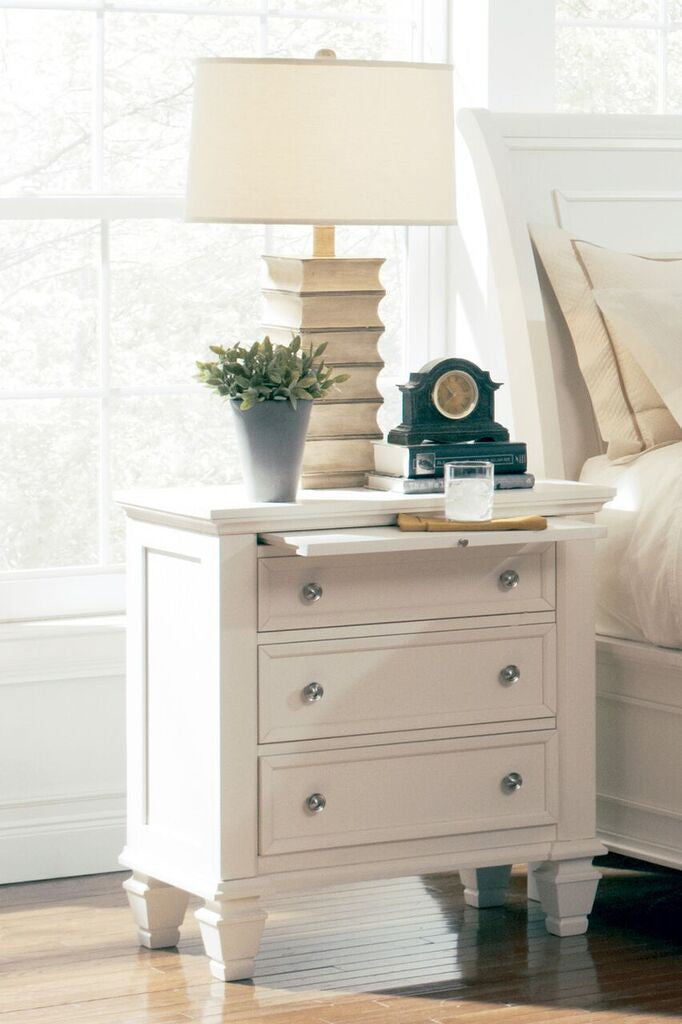Glenmore bedroom collection black cappucino or white - Black or white bedroom furniture ...