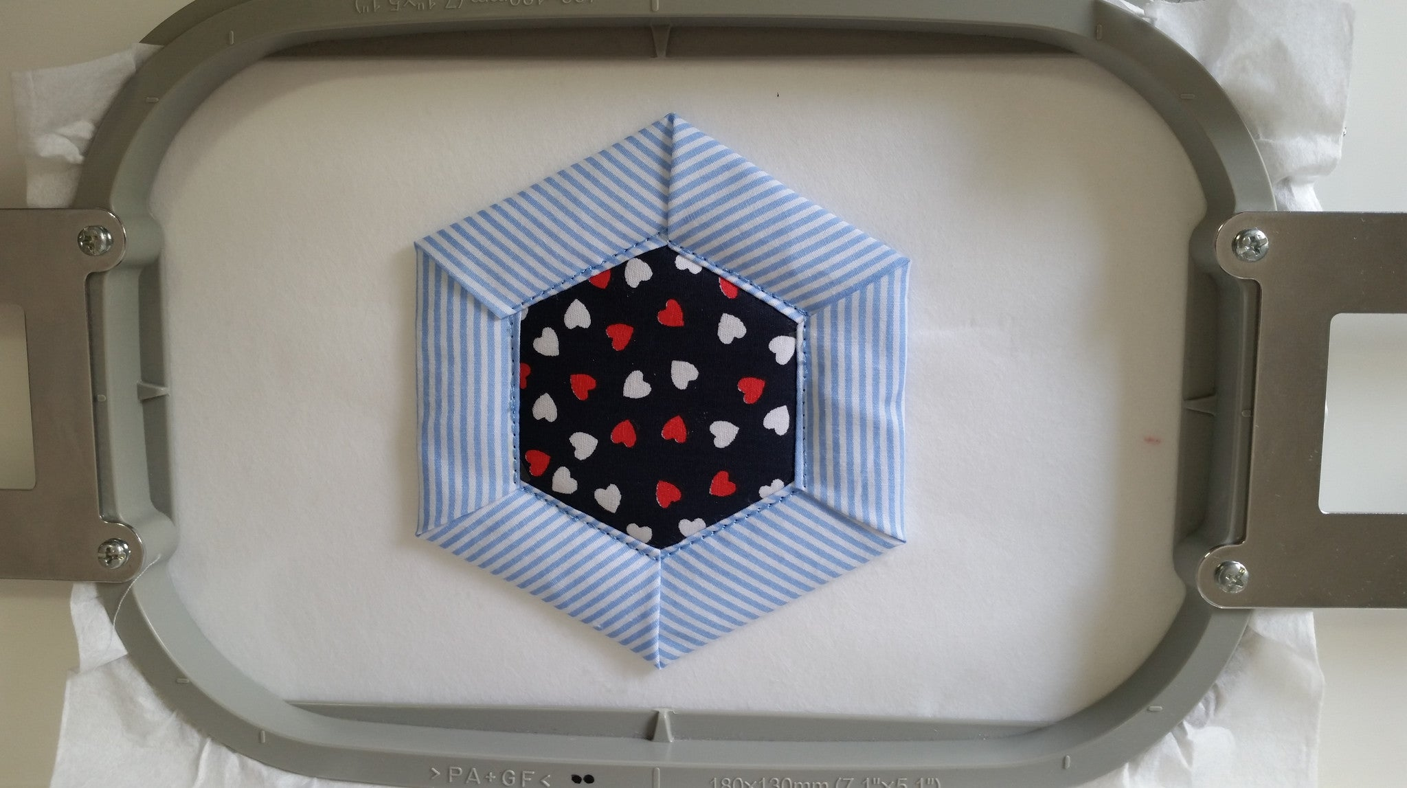 ITH FOLDED HEXAGON QUILT BLOCK