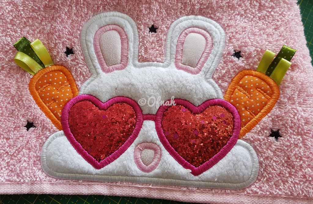 5x7 EASTER BUNNY GIRL PEEKER FOR HOODED TOWEL