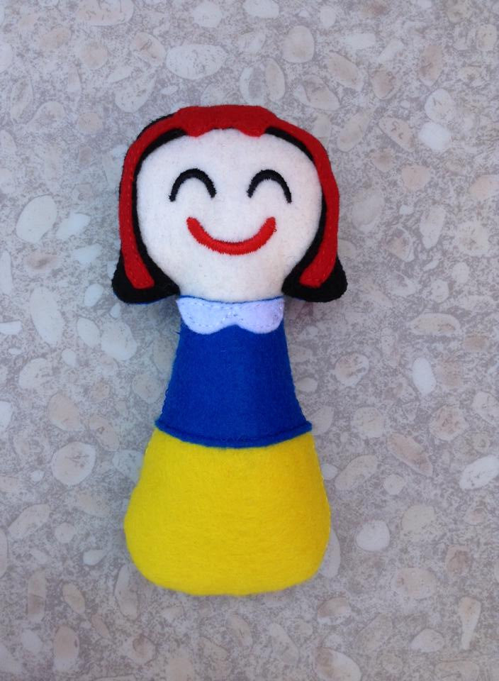 SNOW WHITE RATTLE PATTERN