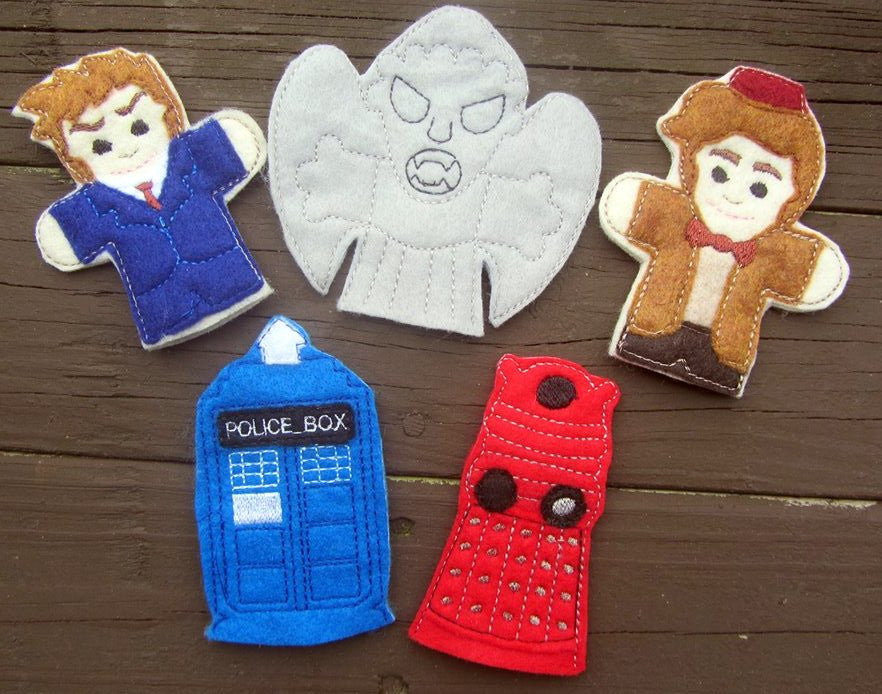 DR WHO FINGER PUPPET SET