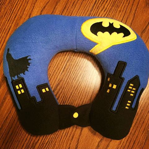 6X10 & 8X12 BAT HERO AND GOTHAM CITY SKYLINE NECK PILLOW