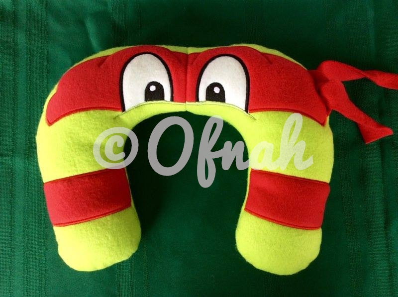 6X10 & 8X12 HERO TURTLE NECK PILLOW