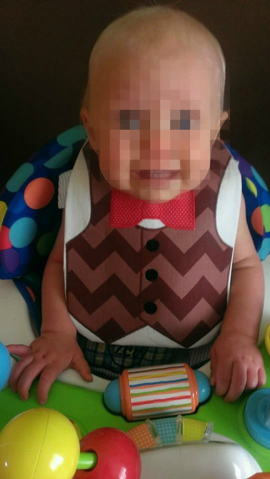 VEST AND BOW BIB