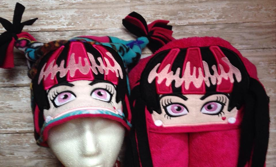 5x7 and 6x10 DRACULAURA HEAD FOR HOODED TOWEL