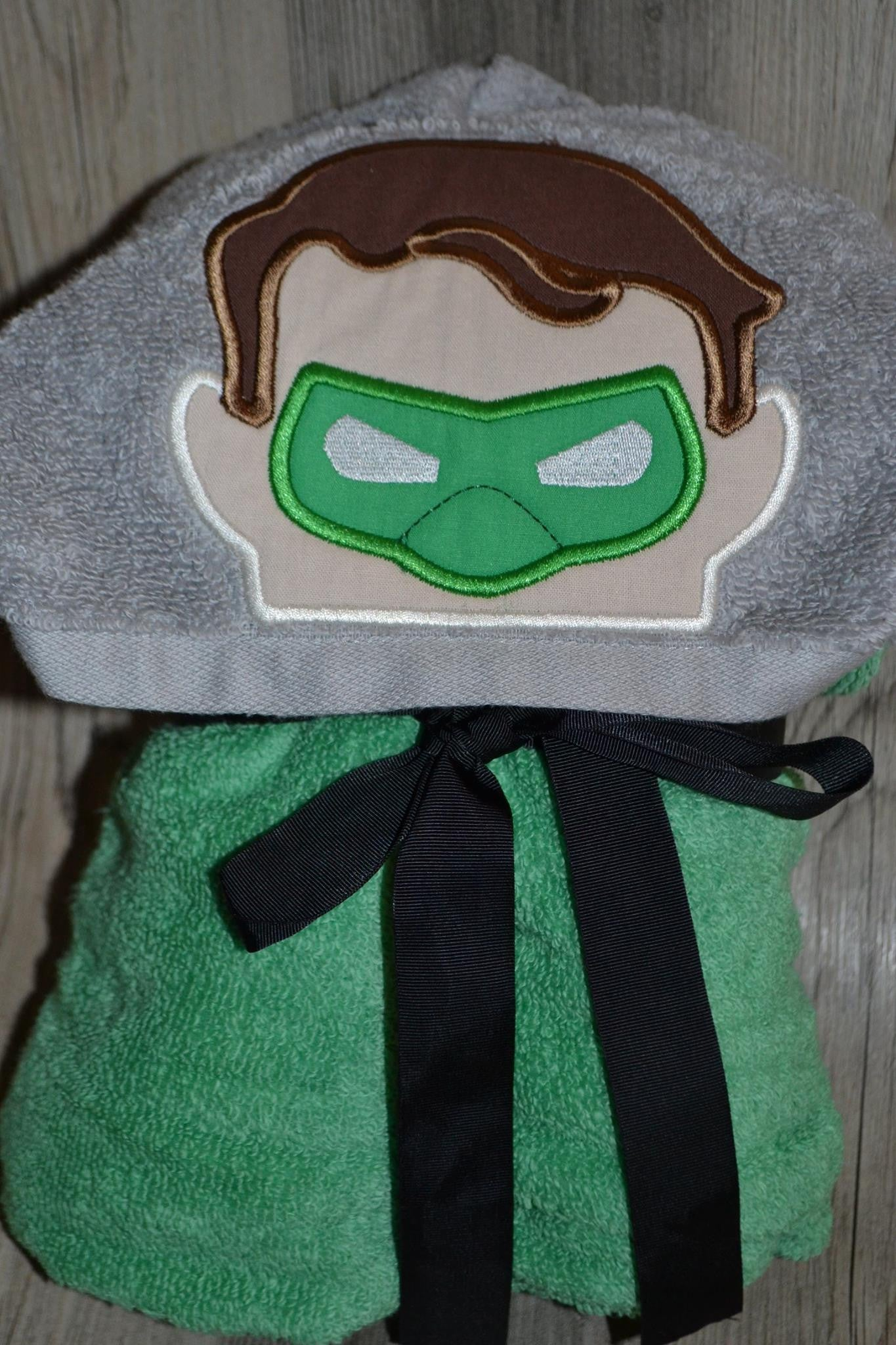 5X7 GREEN LANTERN HEAD FOR HOODED TOWEL