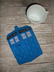 BLUE POLICE BOX MUG RUG PATTERN