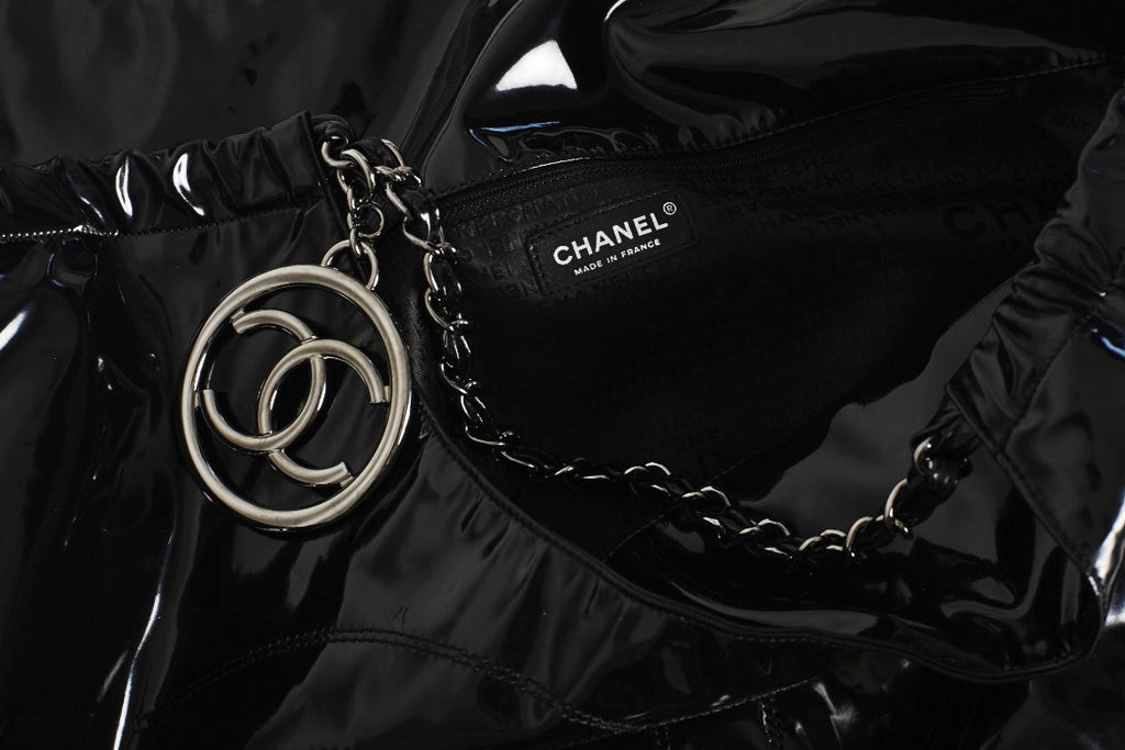 c02d89d6d2cf Black patent leather Chanel Coco Cabas XL tote with silver-tone hardware,  chain-link and leather shoulder straps, black woven interior lining, single  pocket ...