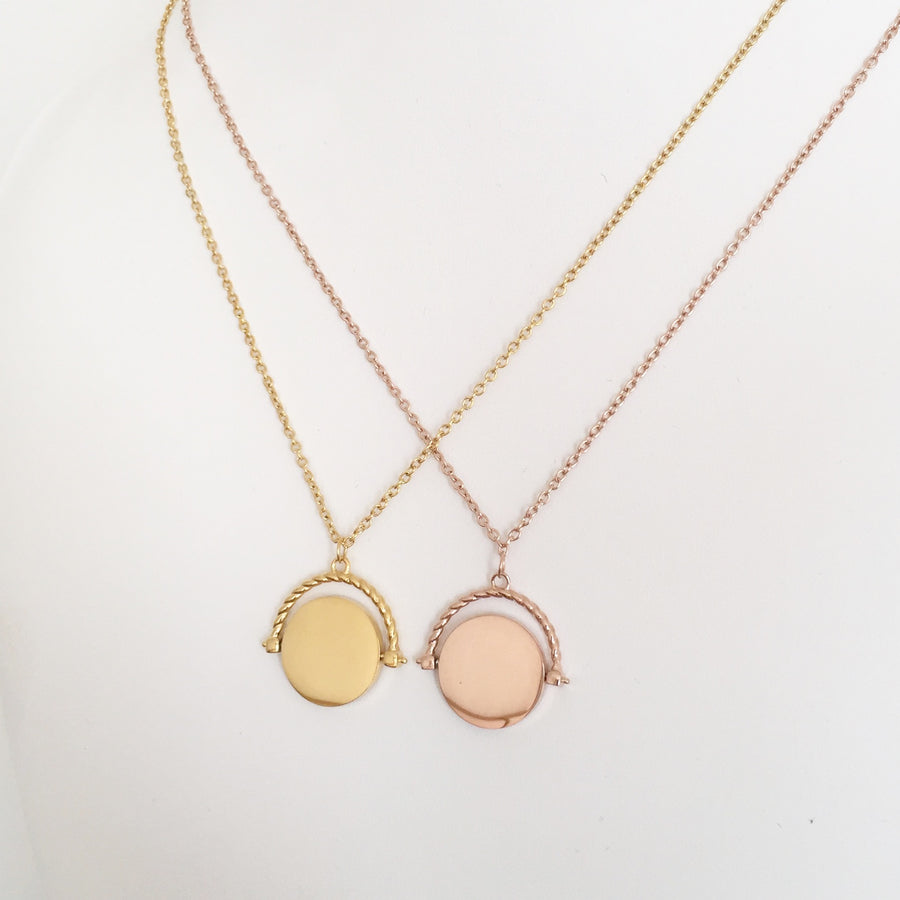 Luxe - Spin Monogrammed Pendant Necklace