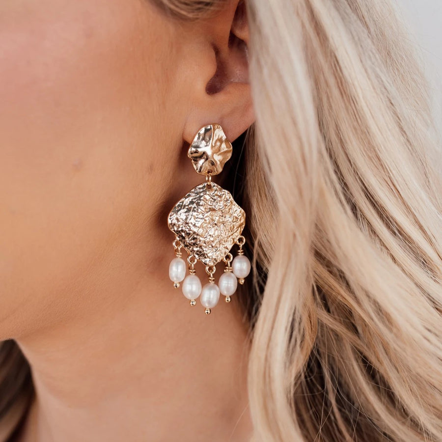 Saala - Pearl Statement Earrings