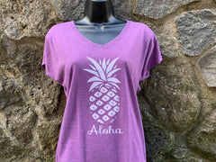 Pineapple V-neck Tshirt - Red Dirt Maui
