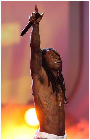Lil Wayne Pointing Marley Style On Stage 11x17 Poster