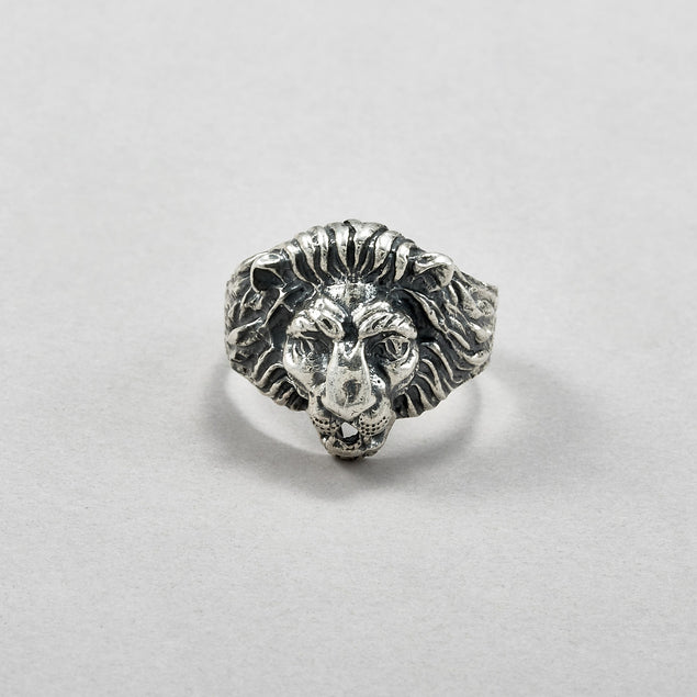Lion Crest Signet Ring