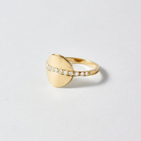Diamond Band Signet